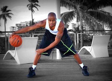 Podcast 40: How a Basketball Player Built a Huge YouTube Fan Base and a Growing Business with Dre Baldwin