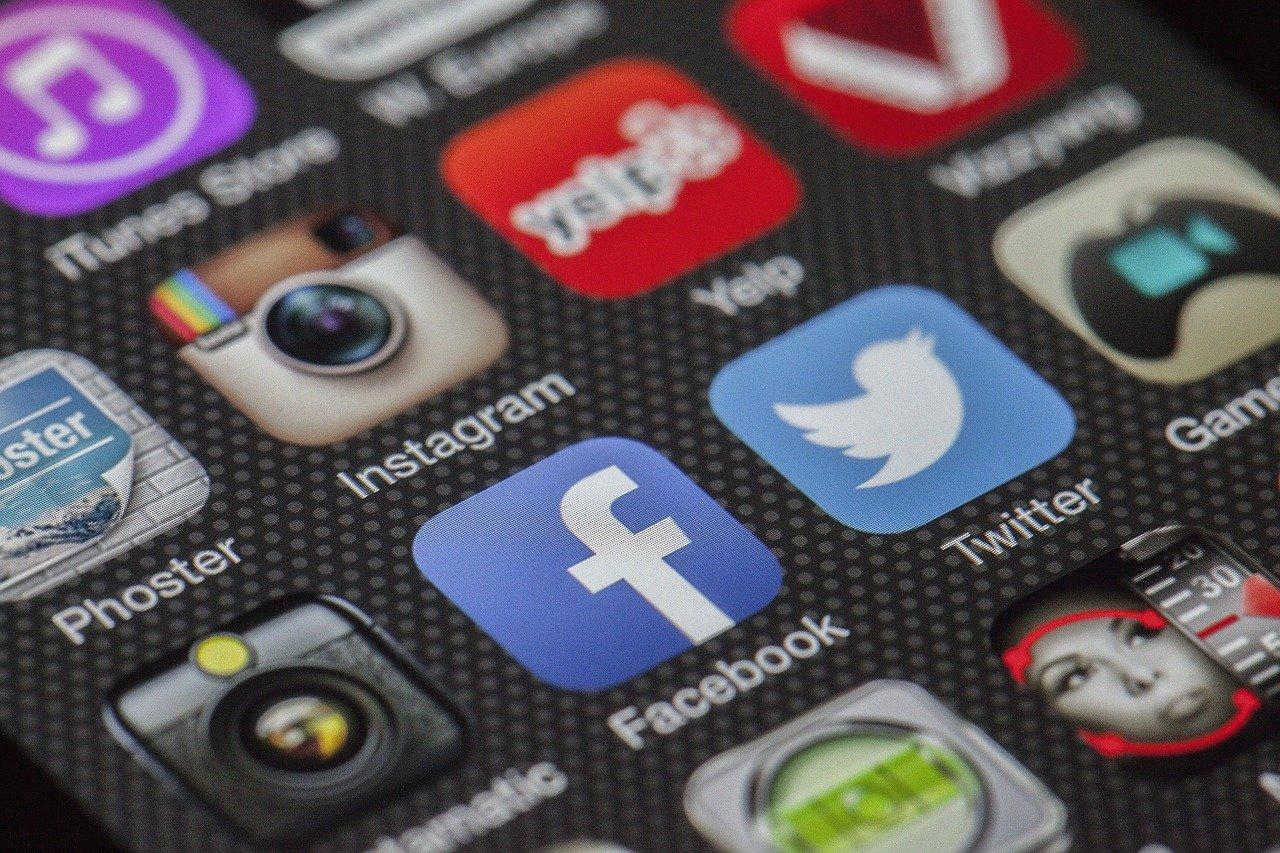 Applications de médias sociaux sur smartphone