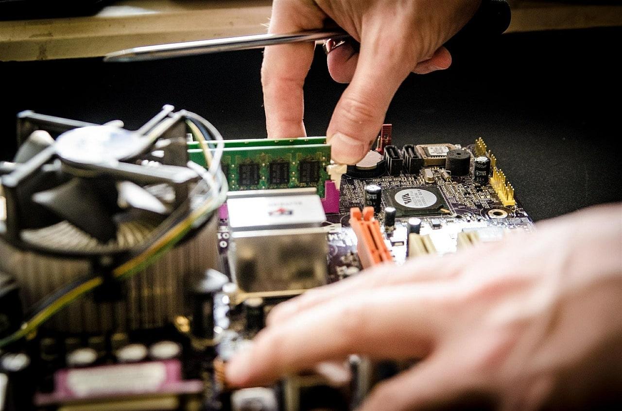 Repairing computer circuit board